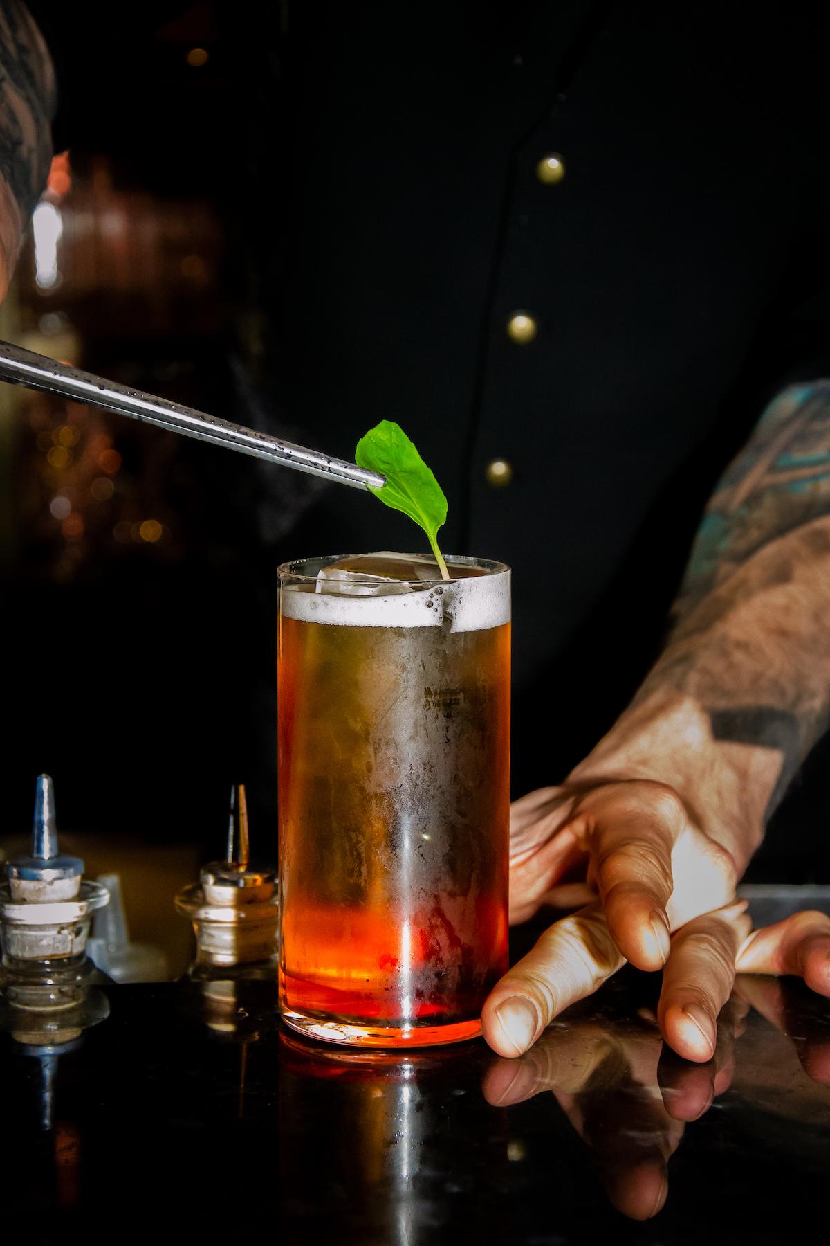 Ben je gek op whisky? Dan is Bar TwentySeven, met z'n indrukwekkende en uitgebreide whisky selectie, zeker een goede optie!