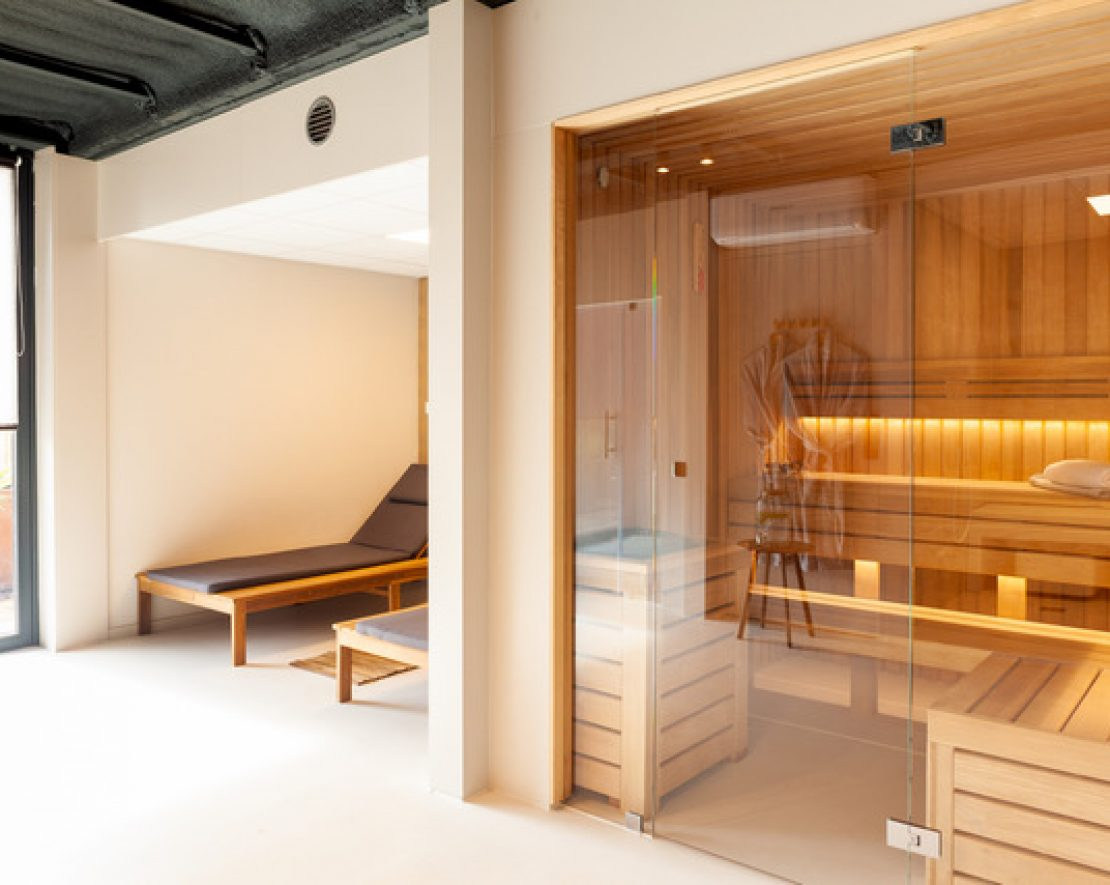 Kom tot rust in de privé sauna's van SOAK Urban Wellness in Amsterdam.