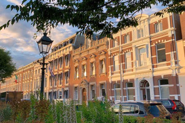 De Archipelbuurt en Willemspark zijn twee Haagse wijken, vlak naast elkaar gelegen. De buurten zijn omringd door parken en oude grachten en ook hier vind je een paar leuke bezienswaardigheden.