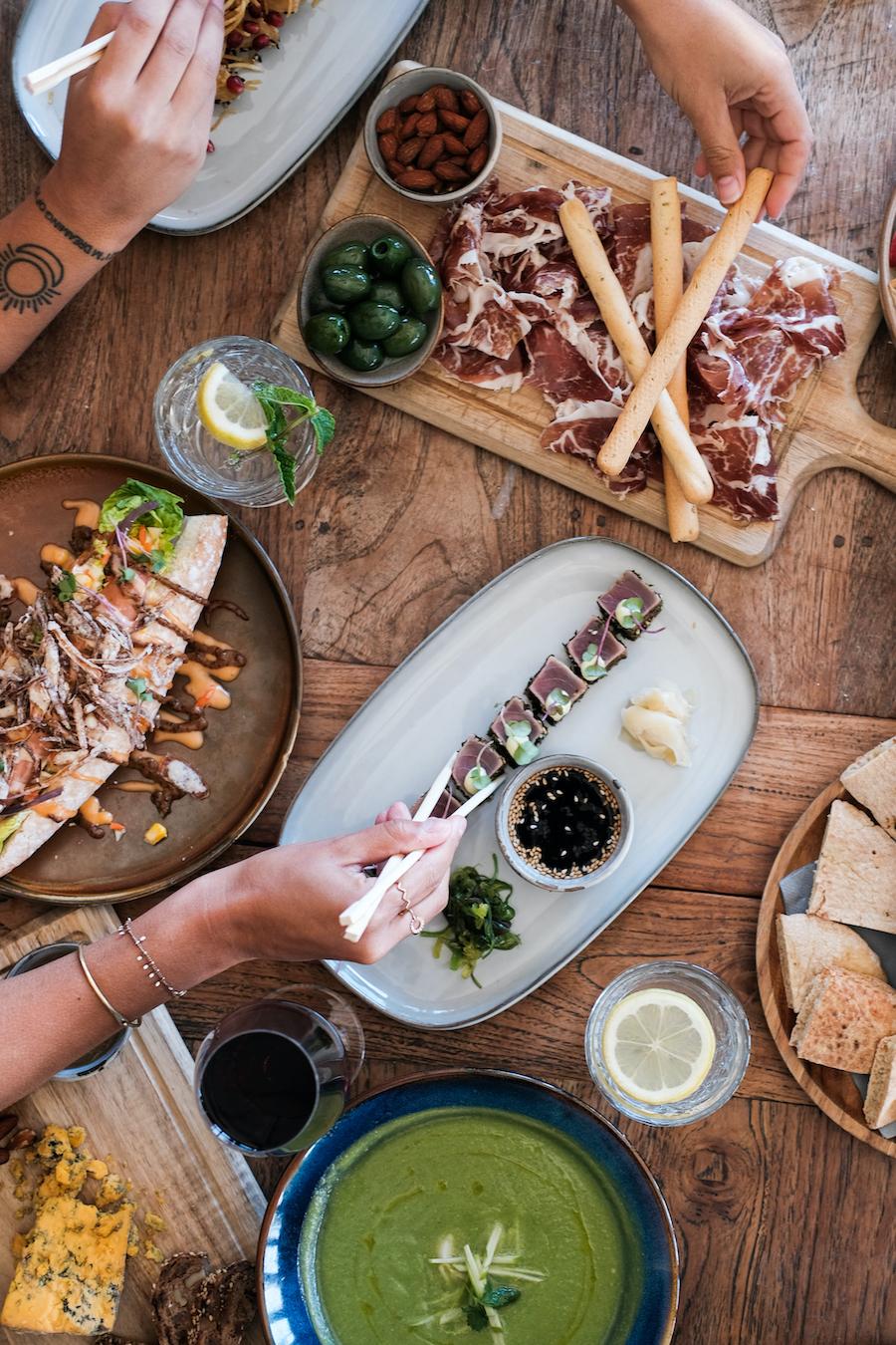 Patagonia is een stijlvolle strandtent in Scheveningen en de ideale plek om met je familie te genieten van een lekkere lunch of diner.
