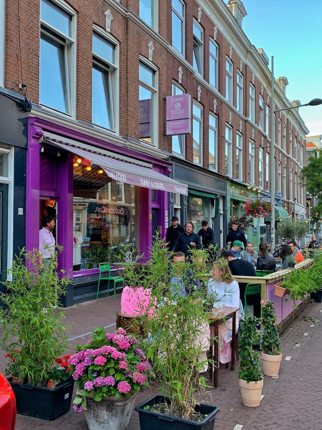 Het Zeeheldenkwartier in Den Haag is een van de leukste wijken van de stad. Gevuld met leukewinkels, galeries, musea, cafés en is de plek waar festivals, markten en andere leuke evenementen plaatsvinden.