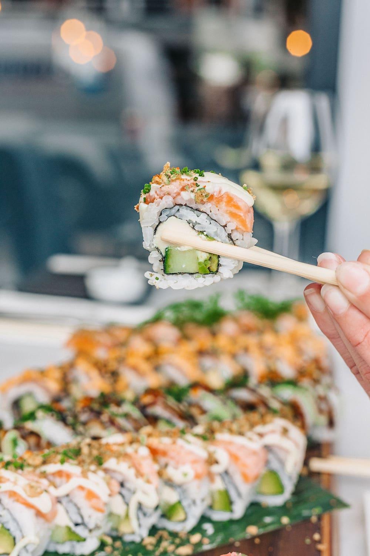 Scheveningen en vis zijn natuurlijk onlosmakelijk verbonden. Maar gelukkig kan je die verse vis gerechten gewoon bij je thuis laten brengen! De vis die ze bij Vigo 's ochtends vangen, ligt aan het einde van de dag gewoon op jouw bordje. Verser kan bijna niet!
